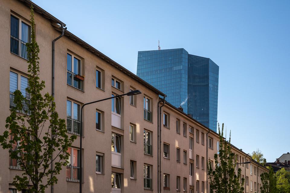 Die Schönheit der EZB, Ostend, Frankfurt/Main, April 2021